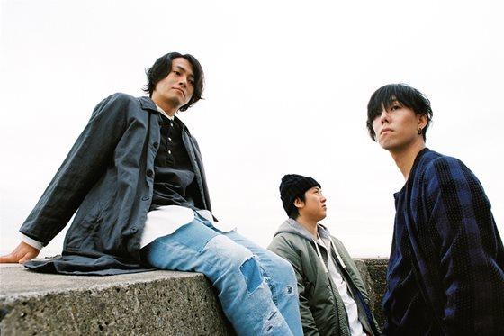 RADWIMPS、新曲『サイハテアイニ / 洗脳』の5/10リリースを発表!初回限定版には28Pの絵本付き!