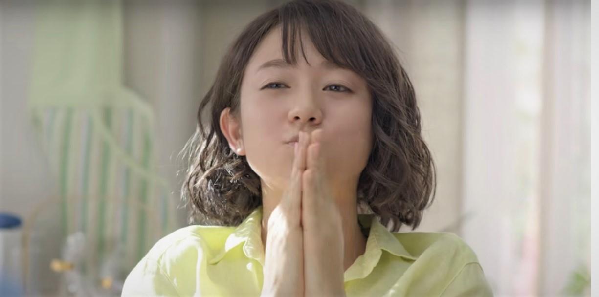 クラシムCMの木村文乃が歌ってる曲名や歌手が気になる!「ハナ歌クッキング」