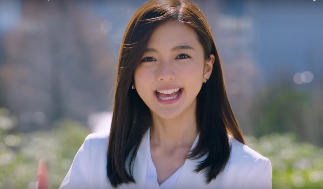 ライク(LIKE)CMの女優は誰?笑顔がめちゃくちゃかわいい!「MY Life,MY LIKE」