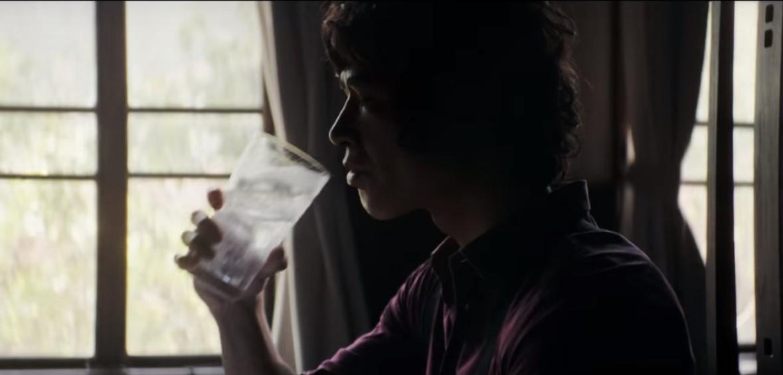 ウィルキンソン・ハードCMの俳優は誰?チューハイを飲む男性がまるで松田優作!
