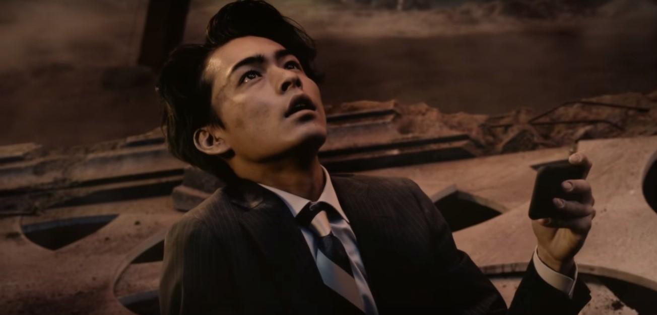 アナザーエデンCMの俳優は誰?時空を超えるサラリーマンの男性がイケメン!