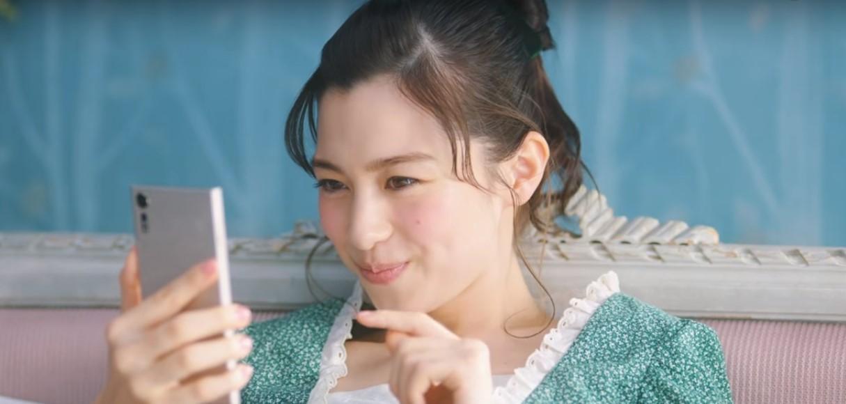 ドコモ(docomo)CMの女優は誰?dポイントで『ムフフ』と笑う女性がかわいい!