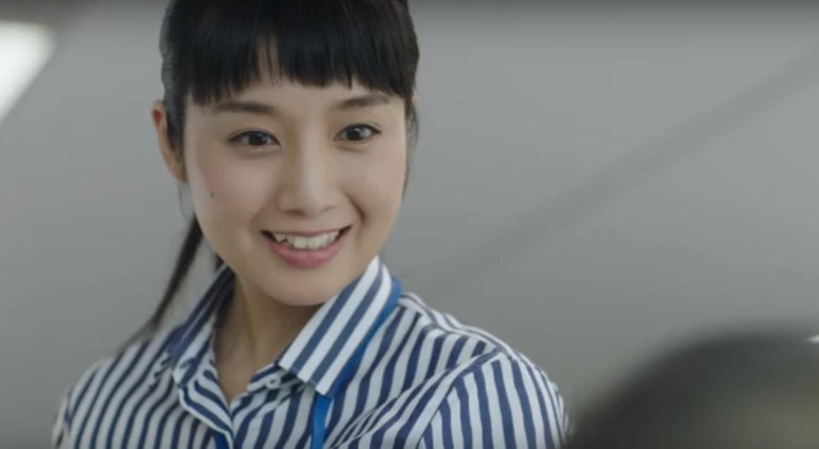 ラインニュース(LINE NEWS)CMの女優は誰?女子社員役の女の子がかわいい!