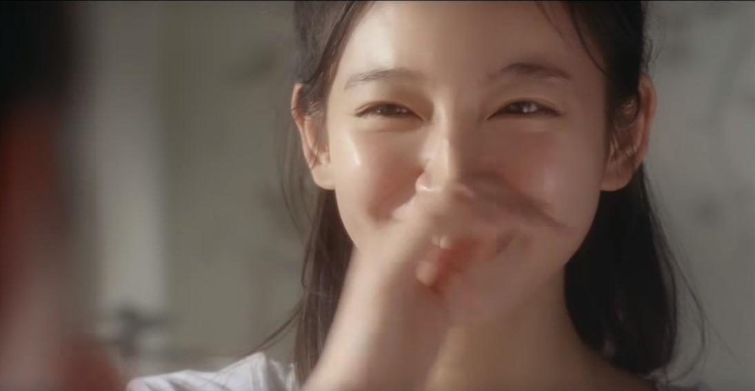 エリクシールCMの女優は誰?泡洗顔をするお団子頭の女の子がかわいい!