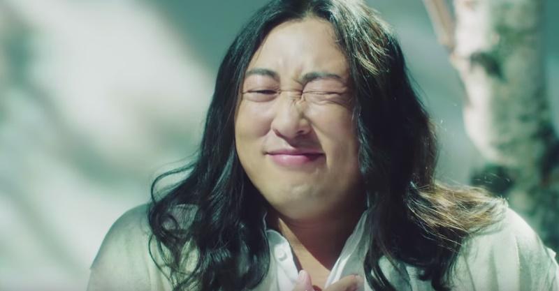 【CM NEWS】ロバート秋山がカリスマミュージシャン!?主婦へ贈るおもしろい応援歌を熱唱!