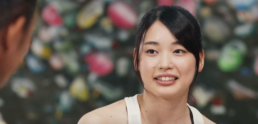 リポビタンDのCMで三浦知良と共演する女性は誰?クライマーの女の子が気になる!