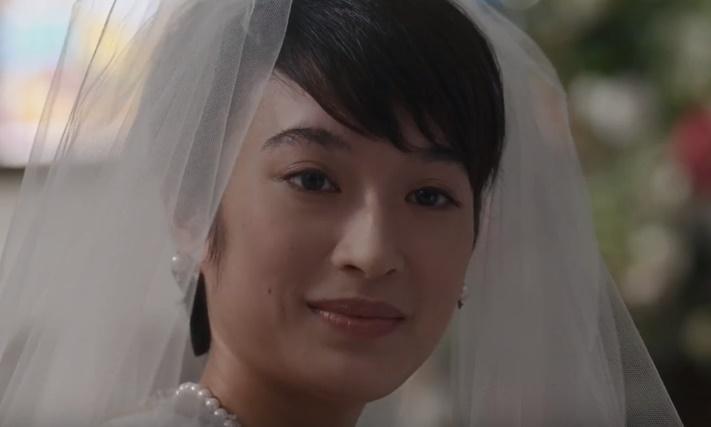 保険のビュッフェCMの花嫁姿の女優は誰?保険と言い放つ女性が気になる!