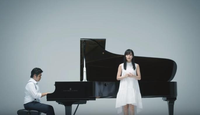JT CMのピアニストは誰?山本彩と共演のピアノを弾く男性が気になる!