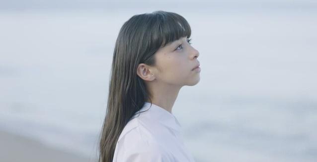 JR西日本CMの女性は誰?仲間由紀恵と共演のロングヘアーの女の子が美人!