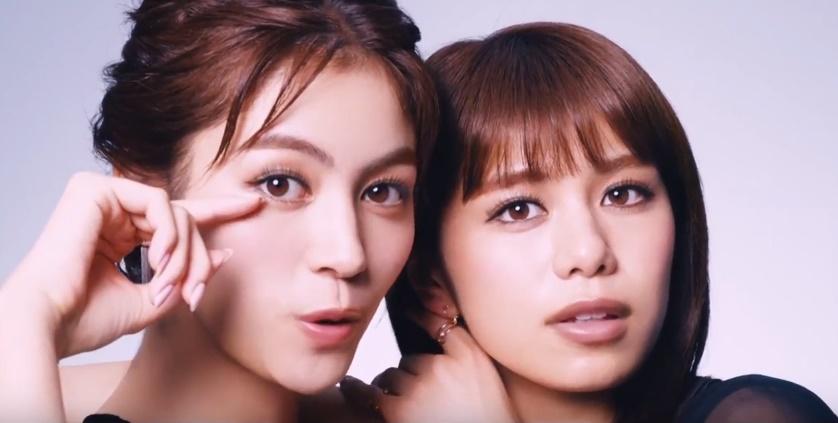 ファシオ(マスカラ)CMの女優は誰?出演の二人組の女の子が凄く美人!